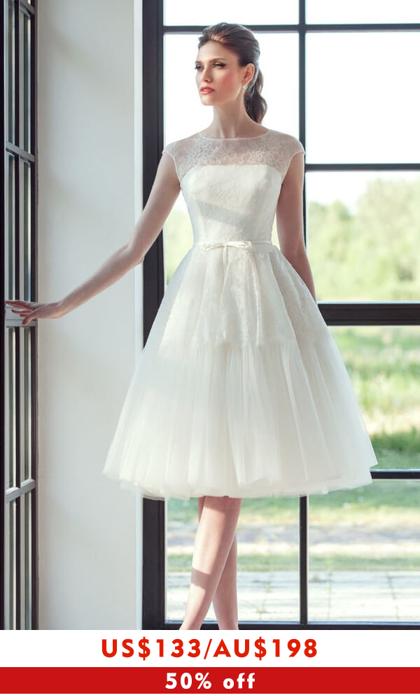 Graceful Lace Tulle Knee Length Wedding Dress