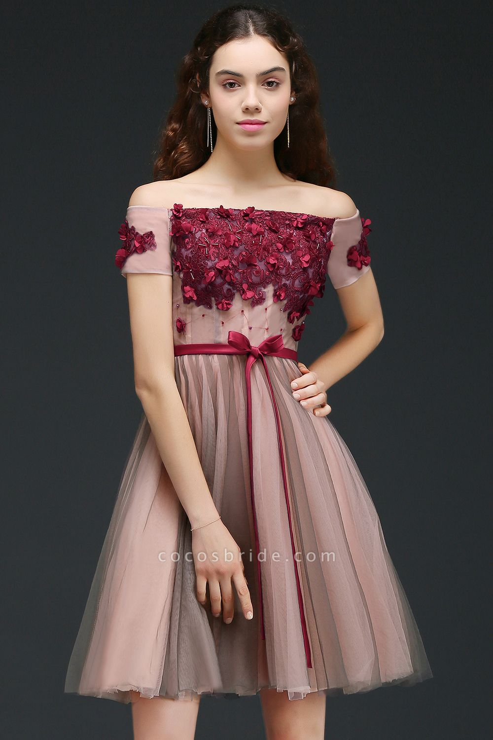 Sleek Off-the-shoulder Tulle A-line Homecoming Dress