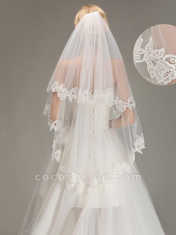 Lace Applique Two Layers Wedding Veils With Comb