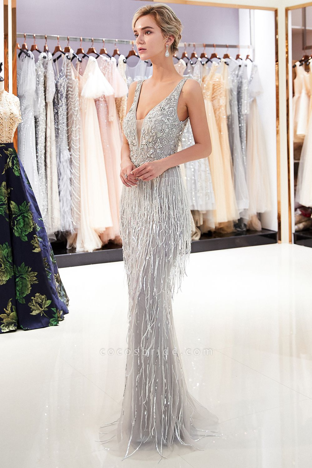 Latest Vneck Beading Fringe Tulle Mermaid Prom Dress