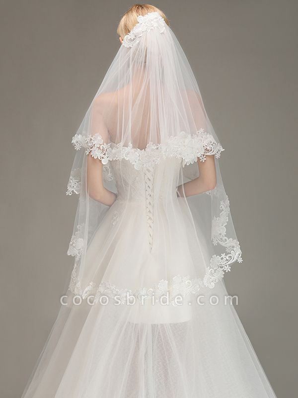 Two Layers Lace Edge Tulle Wedding Veil with Comb
