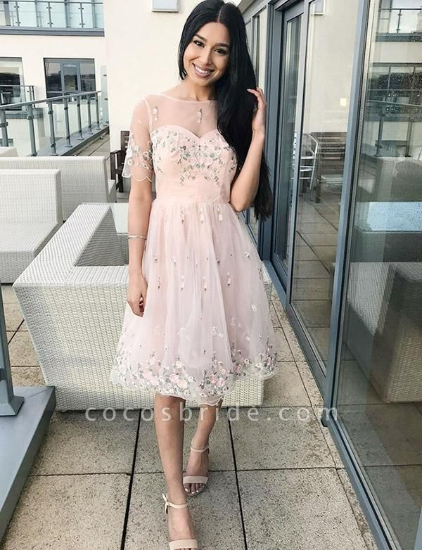 Stunning A-Line Appliques Short Sleeves Bateau Knee-Length Prom Dress