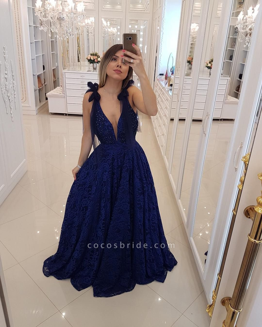 Glorious V-neck Tulle A-line Prom Dress