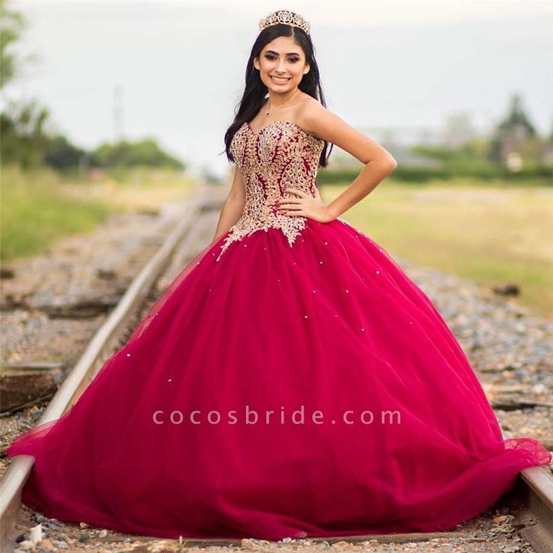 Fascinating Sweetheart Appliques Ball Gown Quinceanera Dress