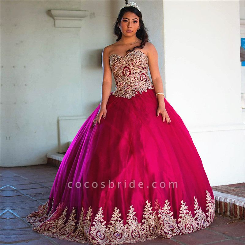 Elegant Sweetheart Tulle Ball Gown Quinceanera Dress