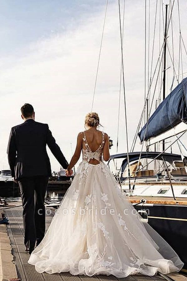 Amazing Appliques Tulle Chapel Train Wedding Dress