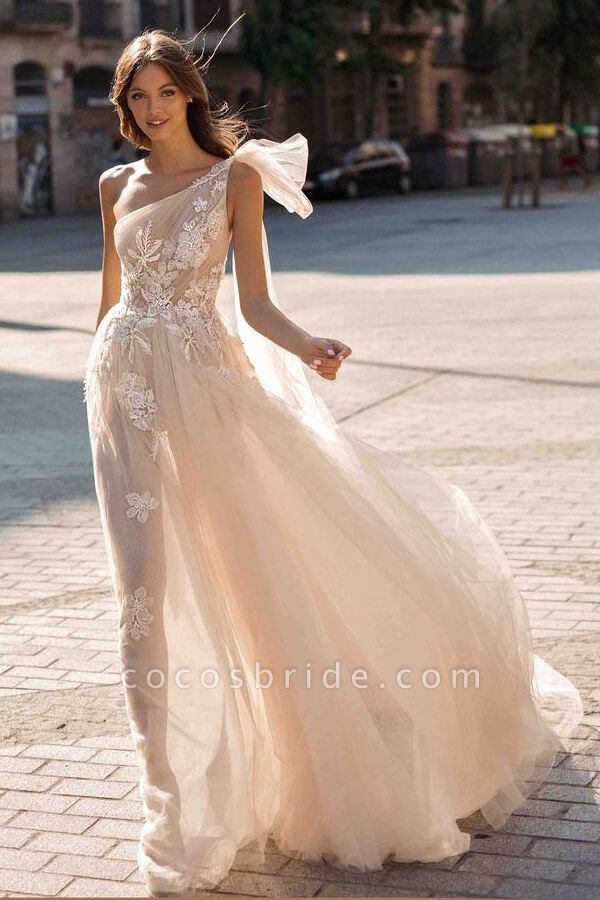 One Shoulder Appliques Tulle A-line Wedding Dress