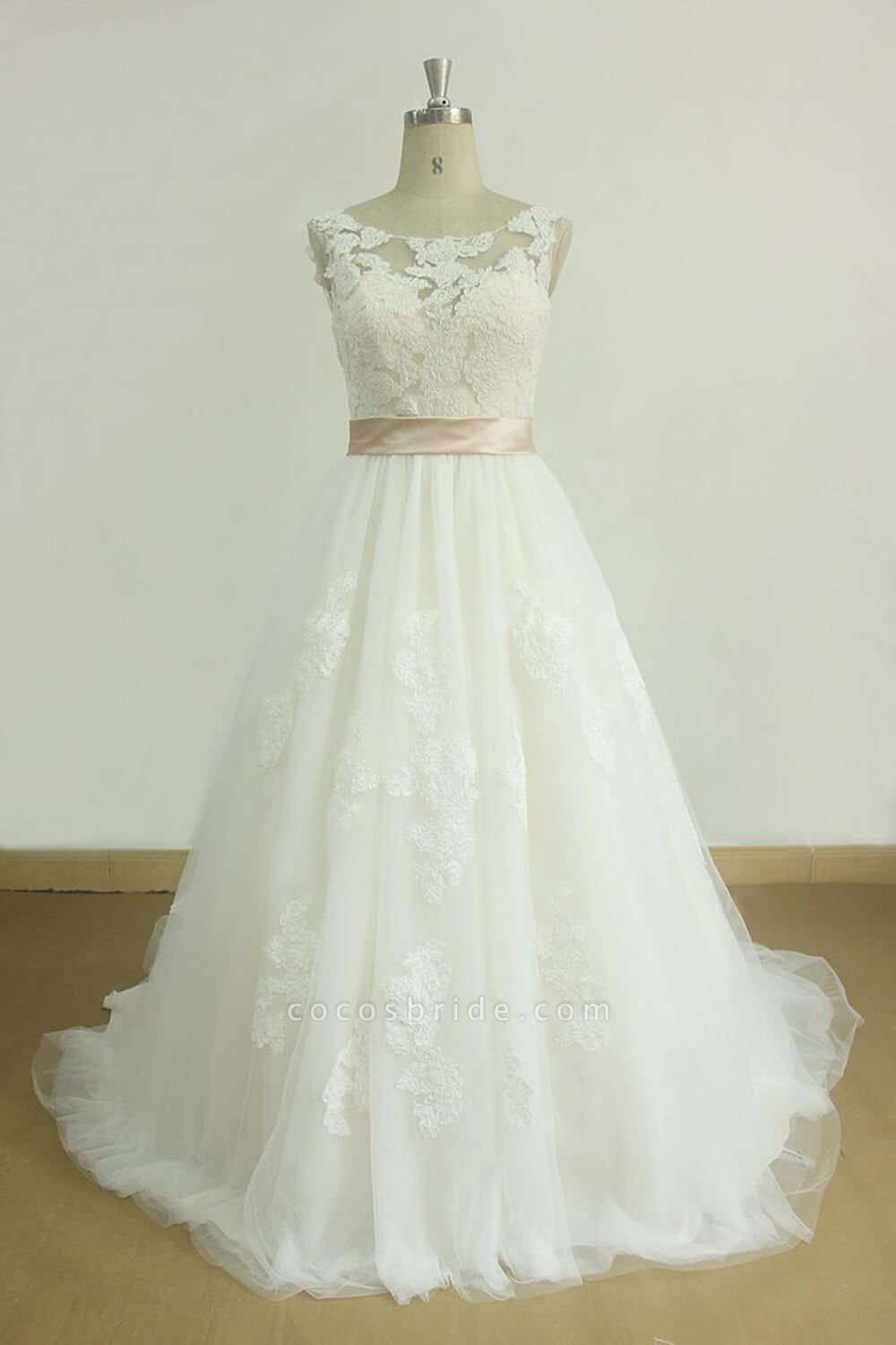 Awesome Appliques Tulle A-line Wedding Dress