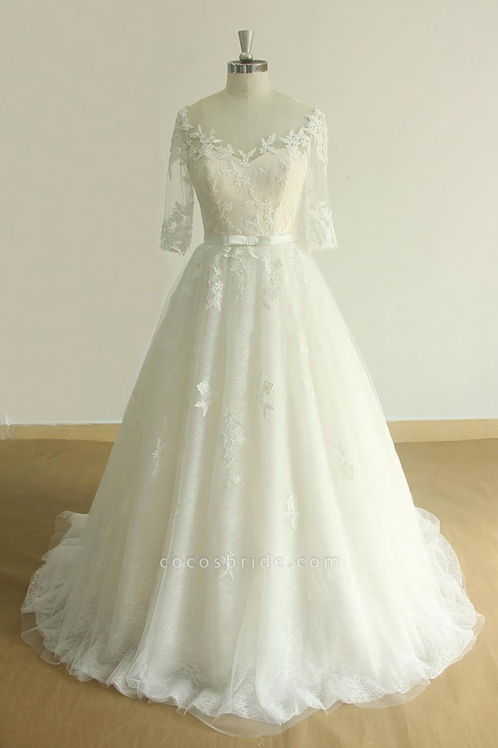 Chic Lace-up Appliques Tulle A-line Wedding Dress