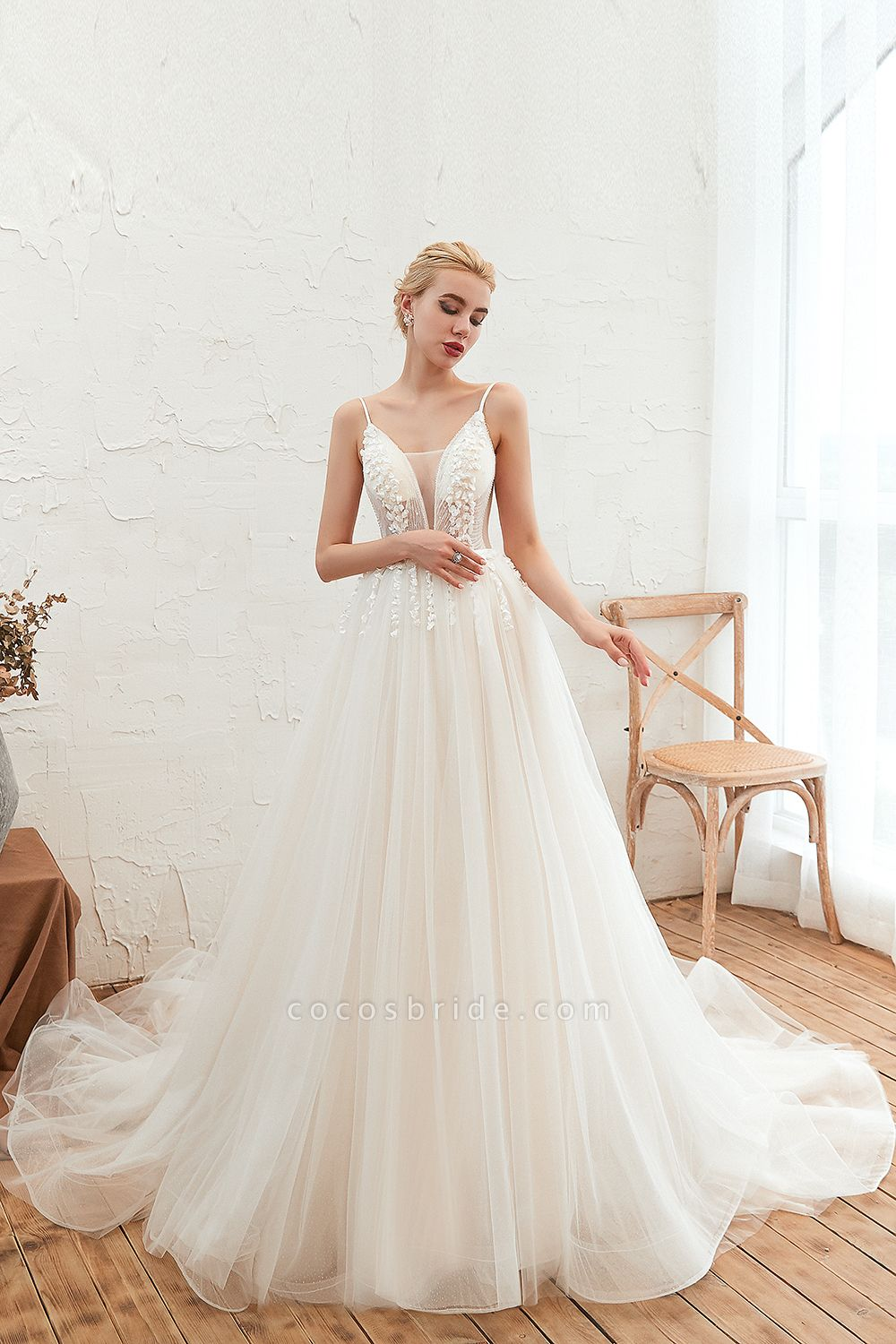 Awesome Spaghetti Strap Tulle A-line Wedding Dress