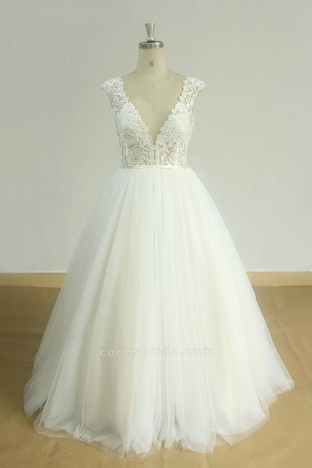 Graceful Open Back Lace Tulle A-line Wedding Dress
