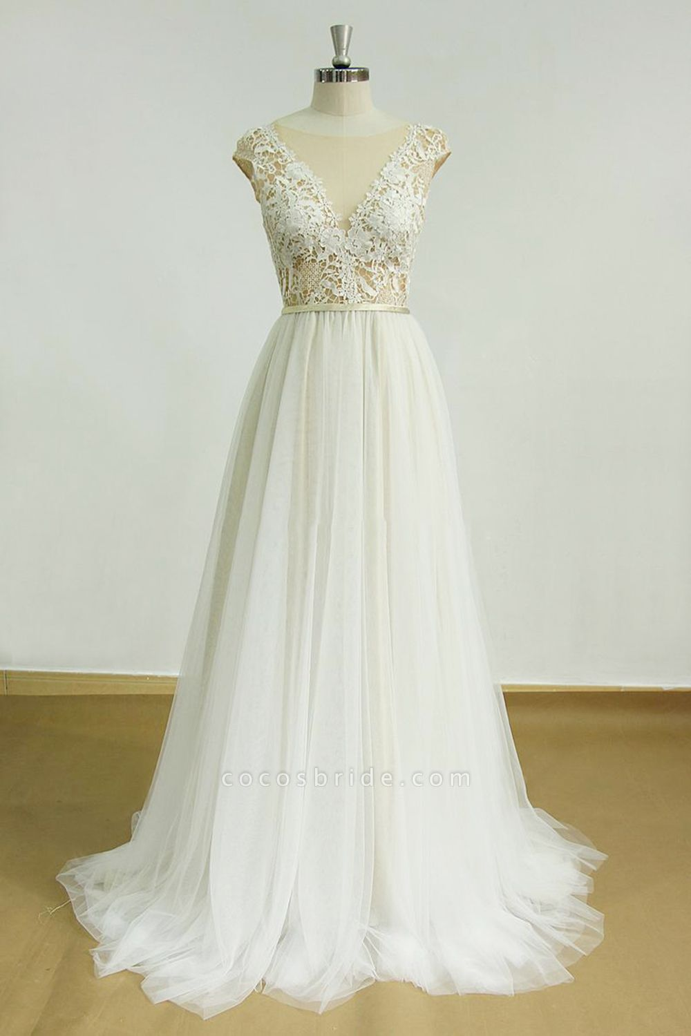 Chic Cap Sleeve Lace Tulle A-line Wedding Dress
