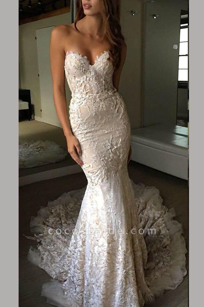 Luxurious Sweetheart Strapless Lace Trumpet Court Train Wedding Dress