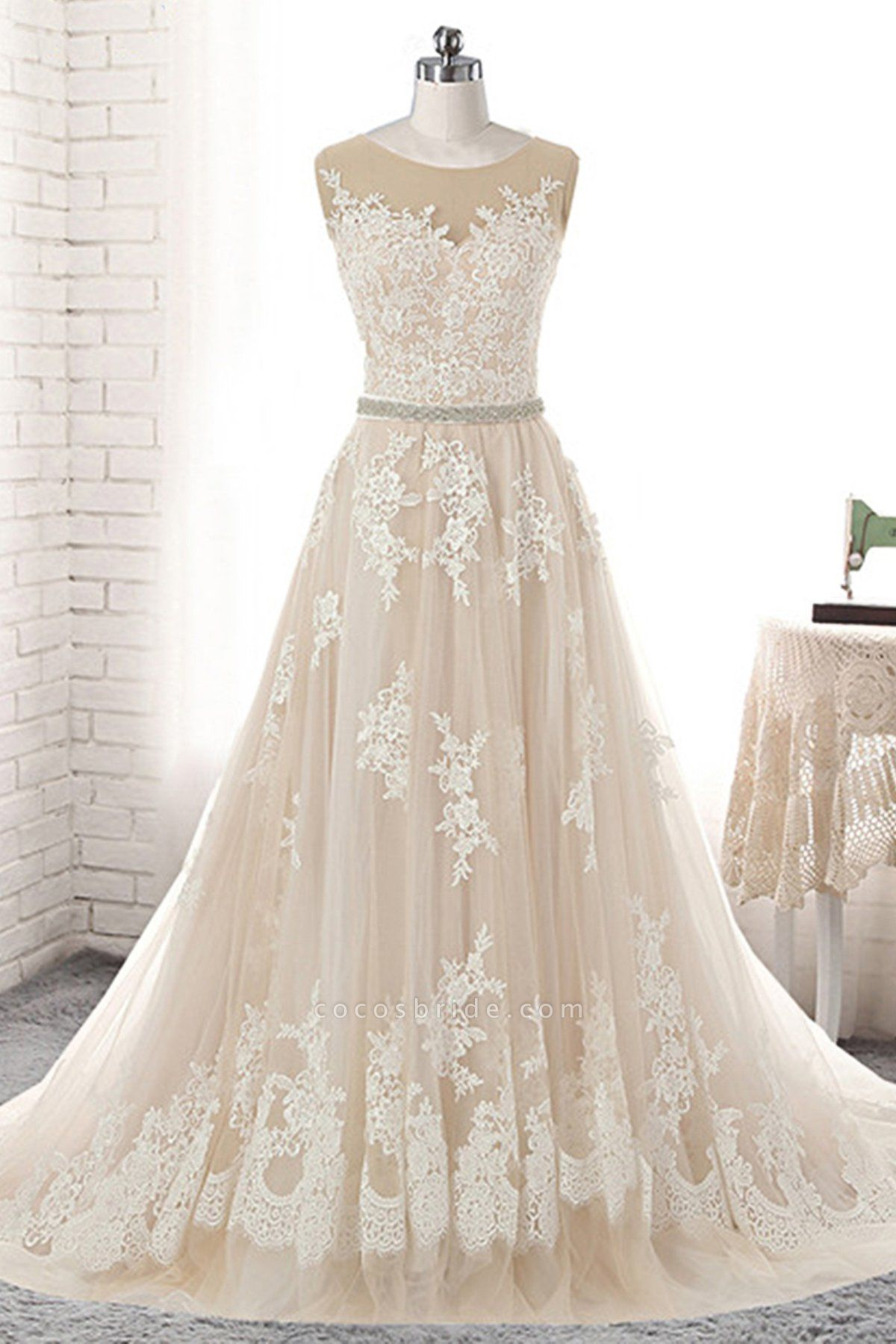 Creamy Tulle Round Neck White Lace Applique Long Wedding Dress