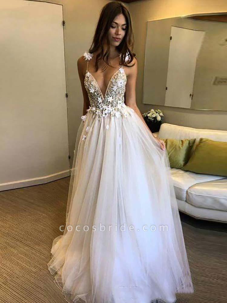 Gorgeous Deep V-neck Appliques Tulle Wedding Dresses
