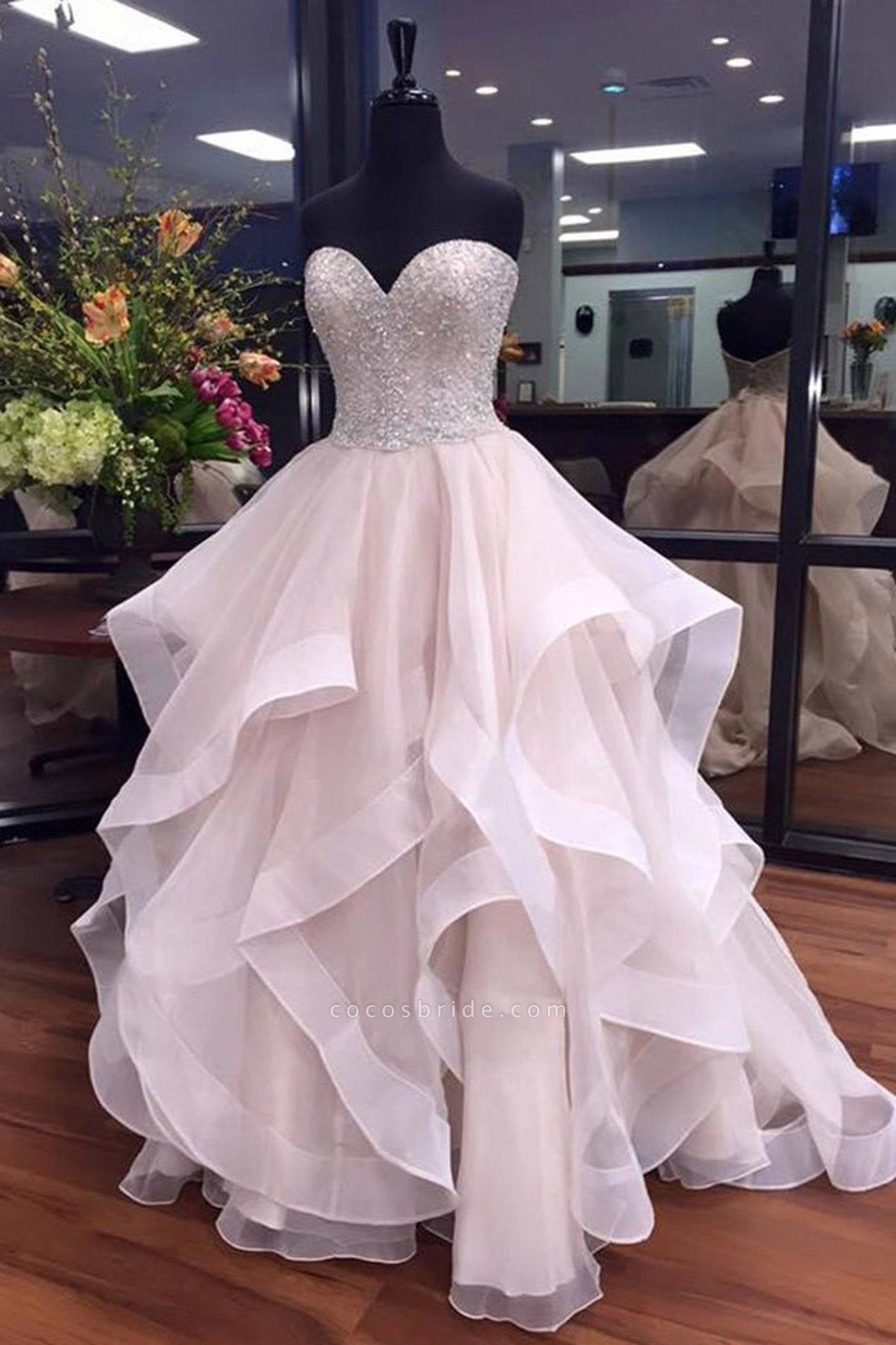 White Organza Sequins Sweetheart Tired Wedding Dresses