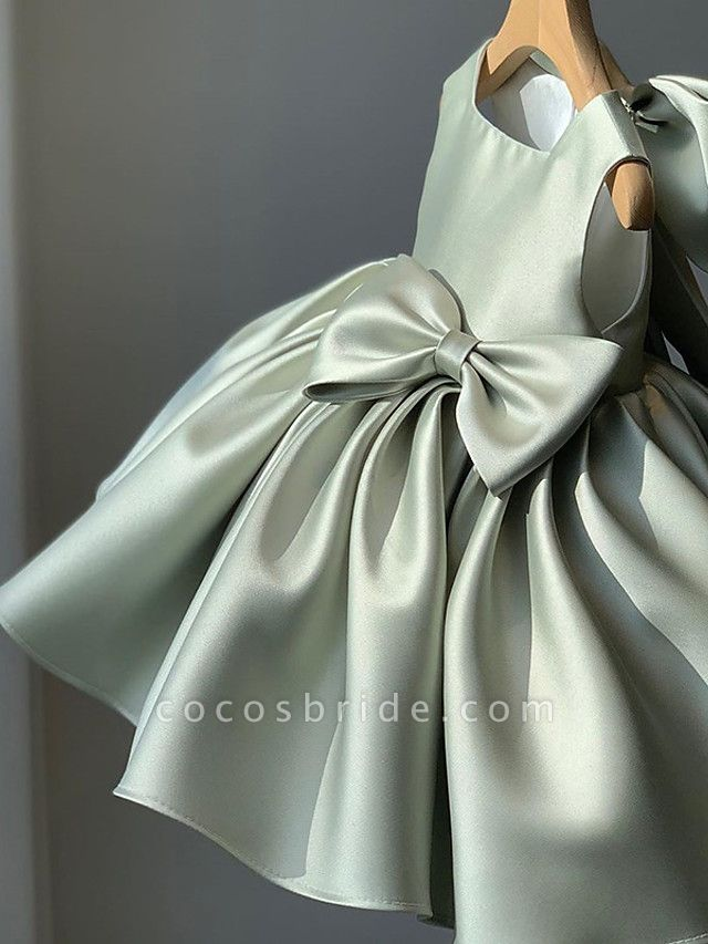 Princess / Ball Gown Short / Mini Wedding / Party Flower Girl Dresses - Satin Sleeveless Square Neck With Bow(S) / Pleats