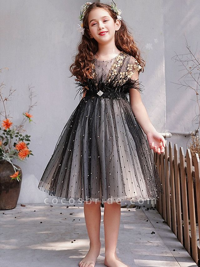 A-Line Knee Length Engagement Party / Pageant Flower Girl Dresses - Lace / Tulle Short Sleeve Jewel Neck With Feathers / Fur / Embroidery / Appliques