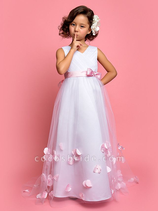 A-Line Sweep / Brush Train Satin / Tulle Sleeveless V Neck With Bow(S)