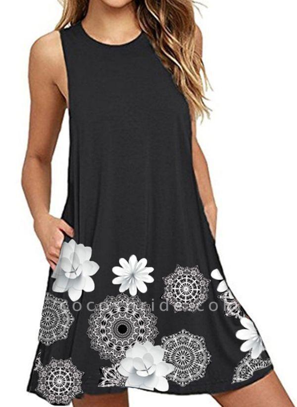 Black Plus Size Tunic Floral Round Neckline Casual Pockets Plus Dress