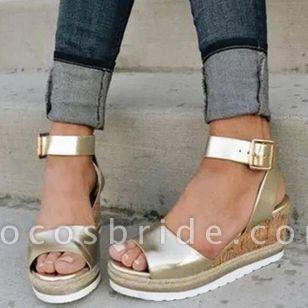 Women's Buckle Modern Wedge Heel Sandals