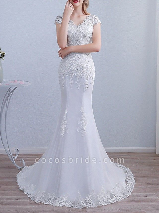 Mermaid \ Trumpet Wedding Dresses V Neck Sweep \ Brush Train Lace Short Sleeve Beach