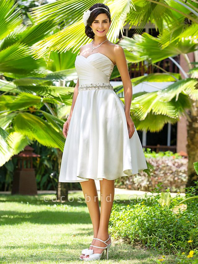 A-Line Wedding Dresses Sweetheart Neckline Knee Length Satin Strapless Country Beach Little White Dress Plus Size