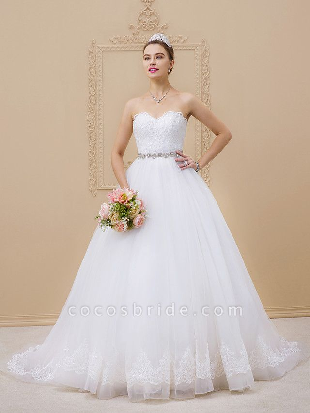Ball Gown Sweetheart Neckline Chapel Train Tulle Lace Over Tulle Strapless Glamorous Sparkle & Shine Wedding Dresses