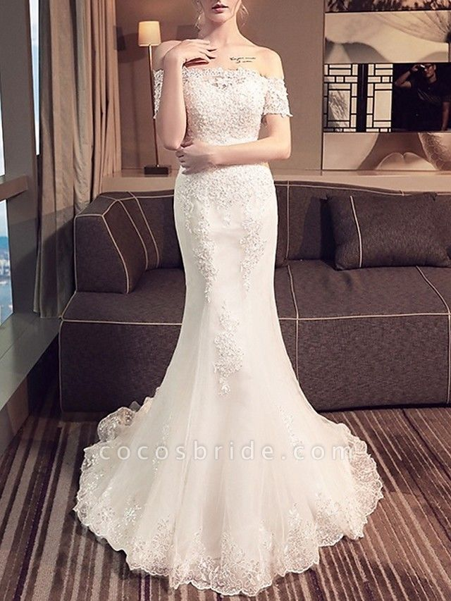 Mermaid \ Trumpet Wedding Dresses Off Shoulder Sweep \ Brush Train Lace Short Sleeve Beach