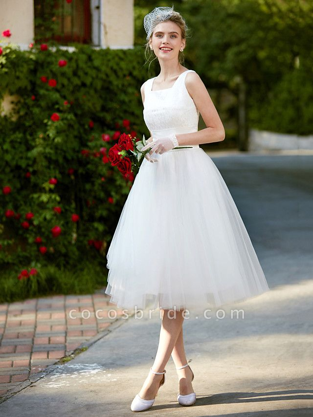 A-Line Wedding Dresses Square Neck Knee Length Lace Tulle Regular Straps Simple Casual Vintage Plus Size Cute