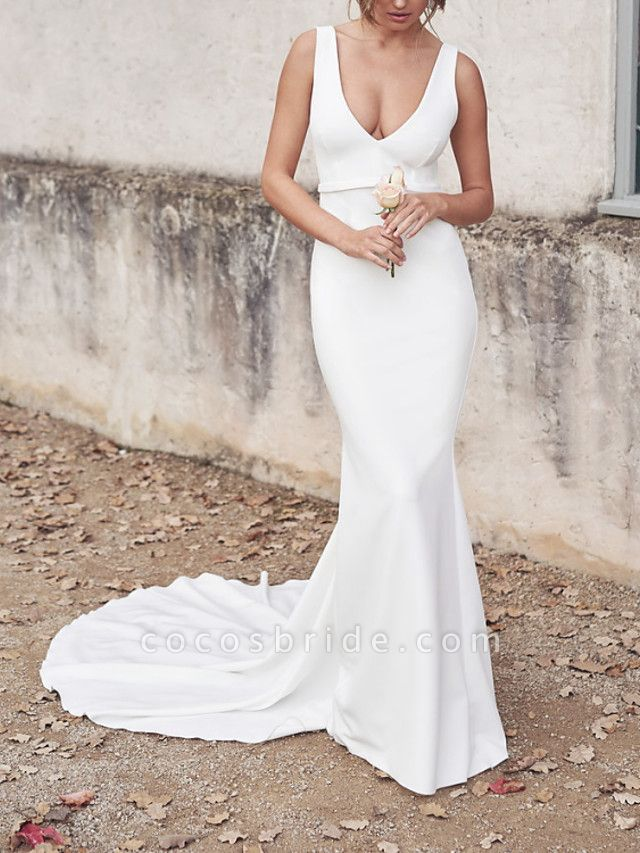 Sheath \ Column Wedding Dresses V Neck Chapel Train Tulle Sleeveless Country Sexy Wedding Dress in Color See-Through