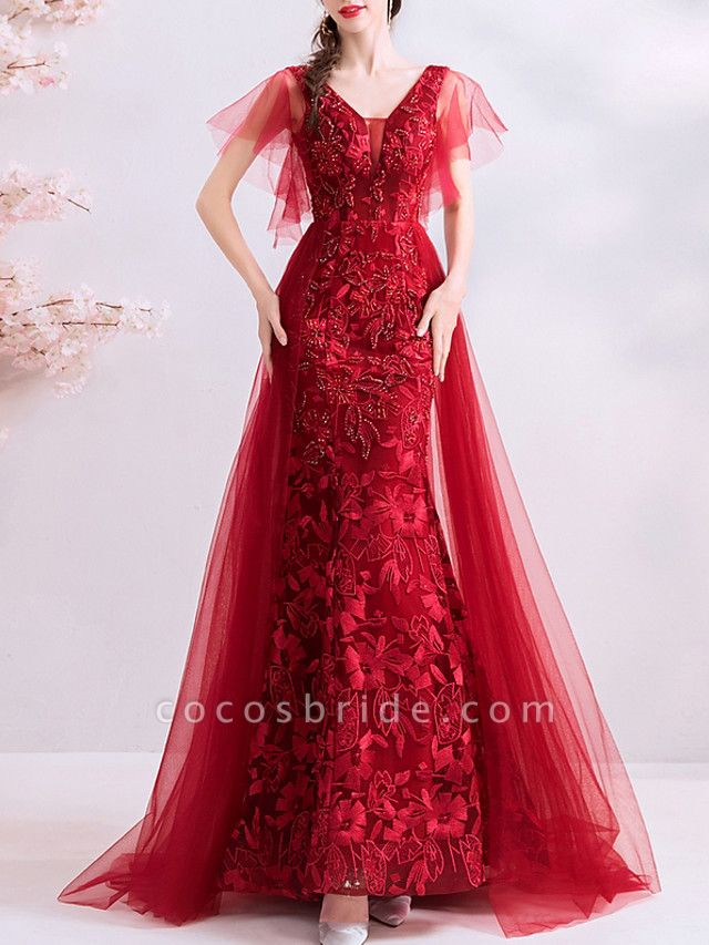 A-Line Wedding Dresses V Neck Sweep \ Brush Train Polyester Short Sleeve Romantic Plus Size Red