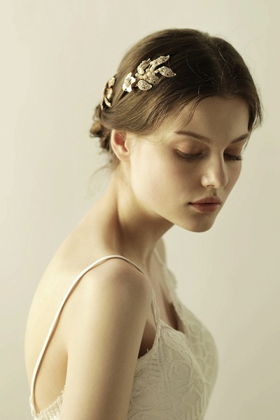 Beautiful Alloy&Rhinestone Party Combs-Barrettes Headpiece with Imitation Pearls_3