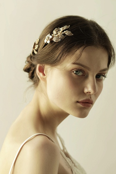 Beautiful Alloy&Rhinestone Party Combs-Barrettes Headpiece with Imitation Pearls_2
