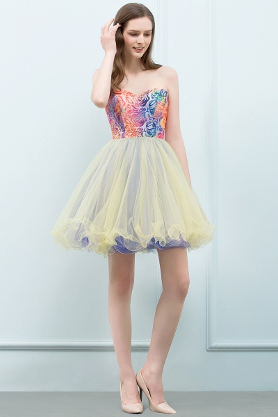 Elegant Strapless Tulle A-line Homecoming Dress_9