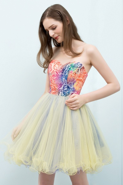 Elegant Strapless Tulle A-line Homecoming Dress_6