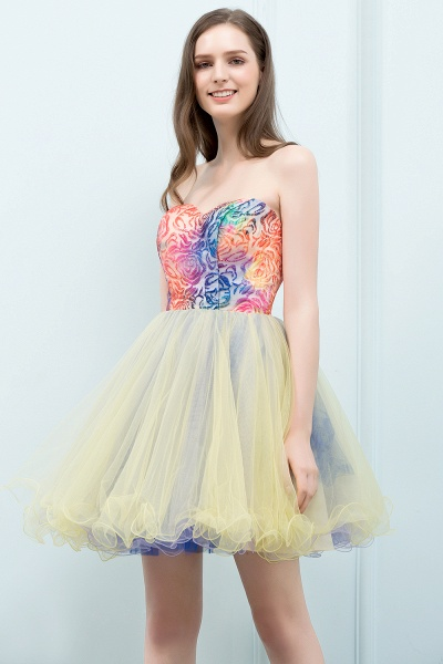Elegant Strapless Tulle A-line Homecoming Dress_4