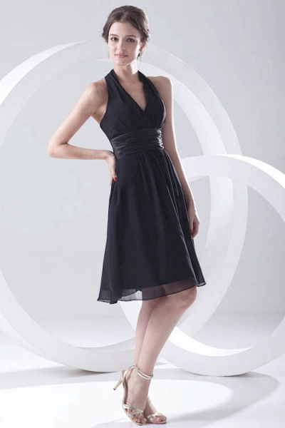 Elegant Halter Chiffon A-line Bridesmaid Dress_5