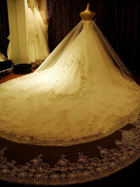 A Line Sweetheart Appliques Crystal Beading Elegant Wedding Dress_2