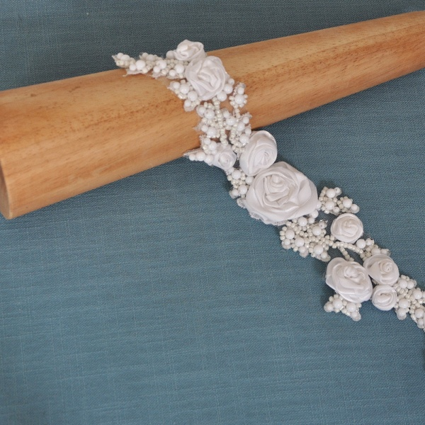 Elegant Satin Flowers Wedding Sash with Beadings_7
