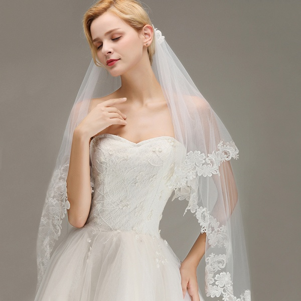 Two Layers Lace Edge Tulle Wedding Veil with Comb_4