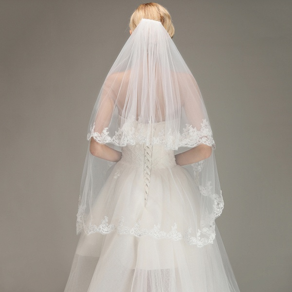 Two Layers Tulle Appliques Comb Wedding Veil_5