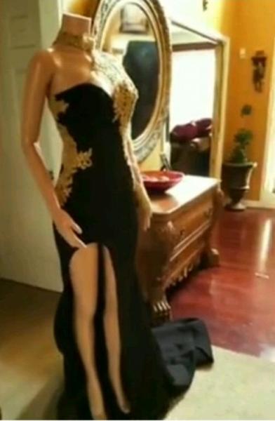 Black Mermaid Front-slit Appliqued Long Sleeve Prom Dresses_4