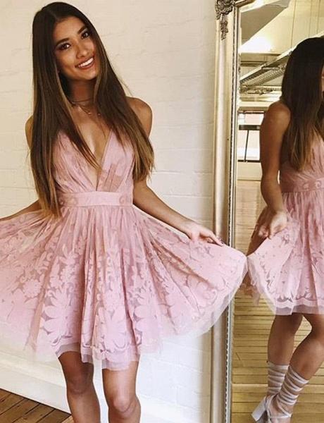 Charming Sleeveless A-Line Lace V-Neck Mini Homecoming Dress_1