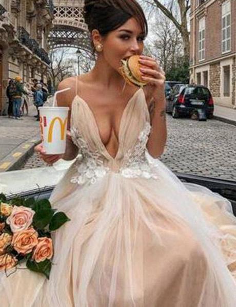 Stunning V-Neck A-Line Appliques Spaghetti Straps Floor-Length Prom Dress_3
