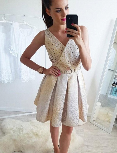 Fashion Sleeveless A-Line Beading V-Neck Short Prom Dress_1