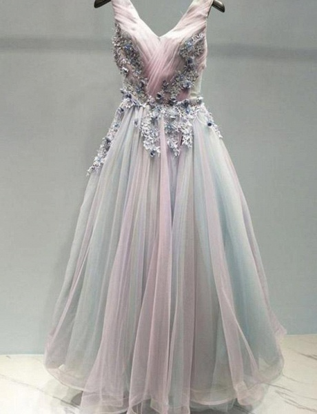 Stunning A-Line Appliques Spaghetti Straps Tulle Floor-Length Prom Dress_1