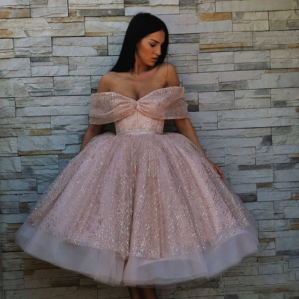 Excellent Off-the-shoulder Tulle Ball Gown Prom Dress_3