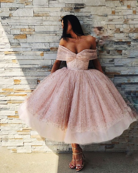 Excellent Off-the-shoulder Tulle Ball Gown Prom Dress_4