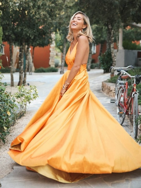 Wonderful Spaghetti Straps Ruffles A-line Prom Dress_3